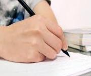 خمس طرق لتطوير مهاراتك في كتابة المقالات الأكاديمية